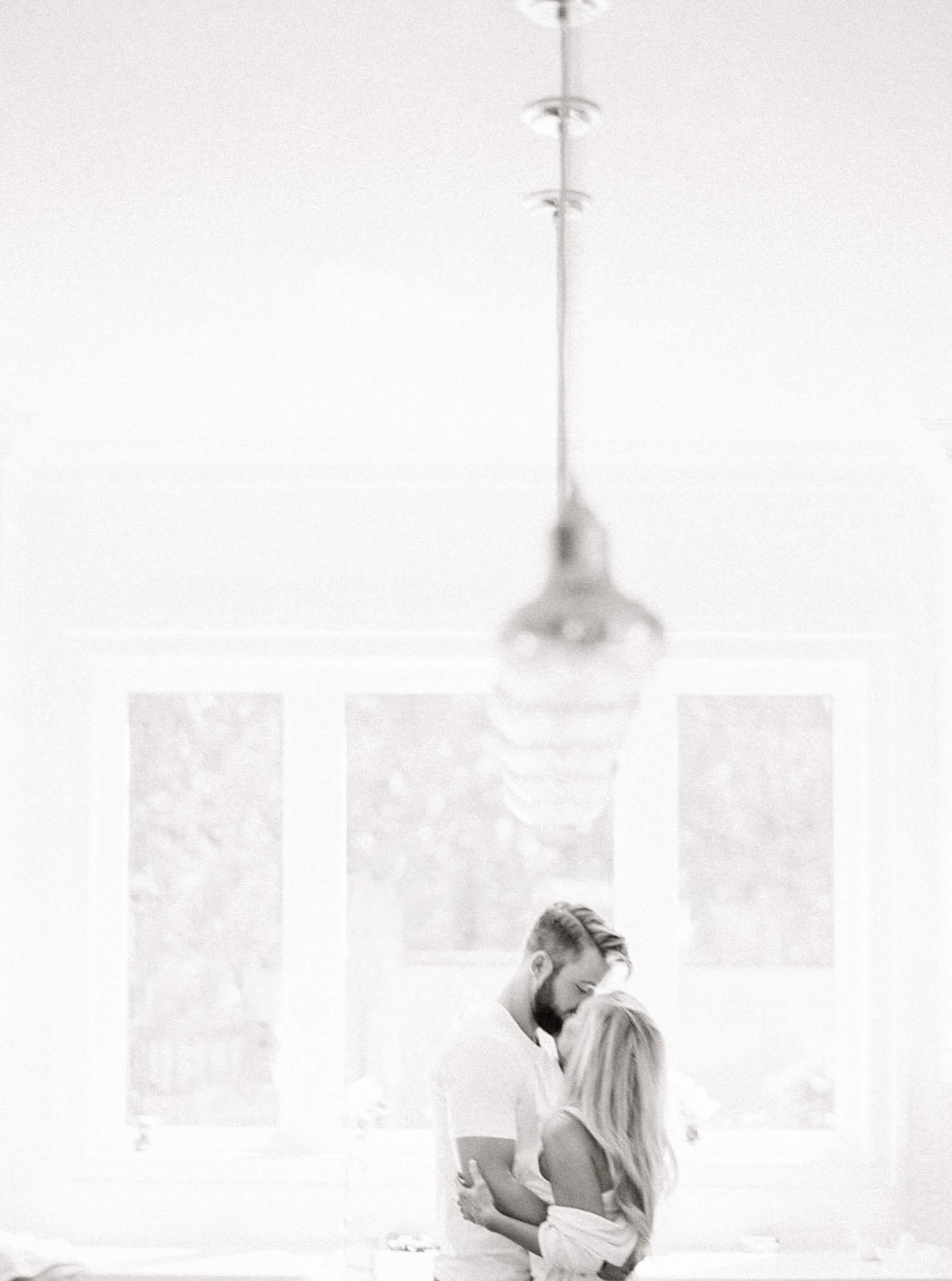 intimate_engagement_photograph_sulphur